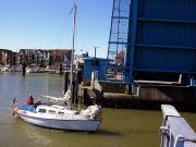 Segelboot-Brckendurchfahrt